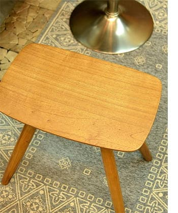 curve wood stool