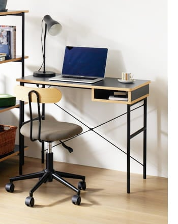 studio desk 900