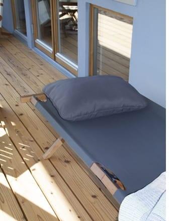 walt folding bed