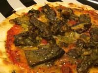 アカヤマドリのピザ