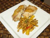 アカヤマドリと花びら茸の炒め物