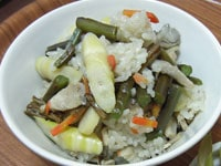 わらび(蕨)と姫竹の山菜おこわ