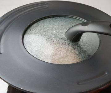 牛肉味噌漬のおいしい召し上がり方2 それから蓋をして蒸し焼きにします></span>
