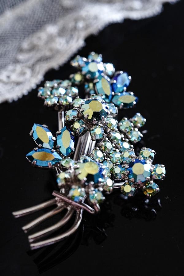 ヴィンテージガラスストーンのお花のブローチH5.5cm 1960年代頃 ga-892