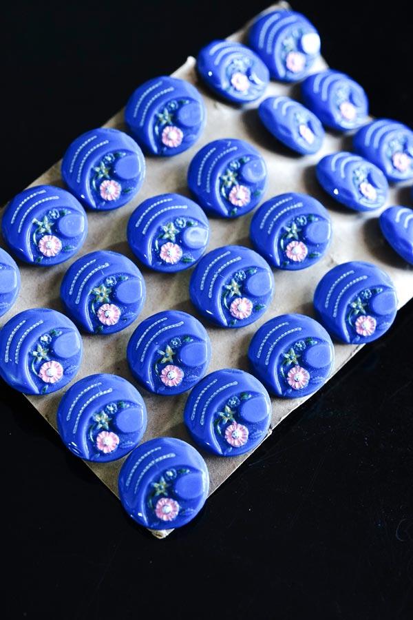 アンティークガラスボタン ブルーにお花 W1.8cm gs-1320