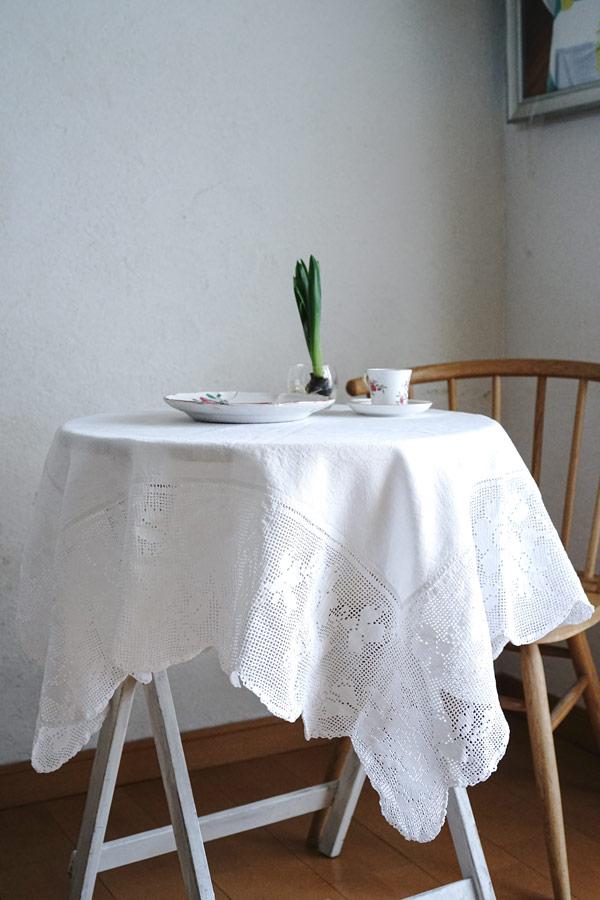 アンティークのクロッシュレースの縁取りのテーブルクロス109×108cm gla-1168