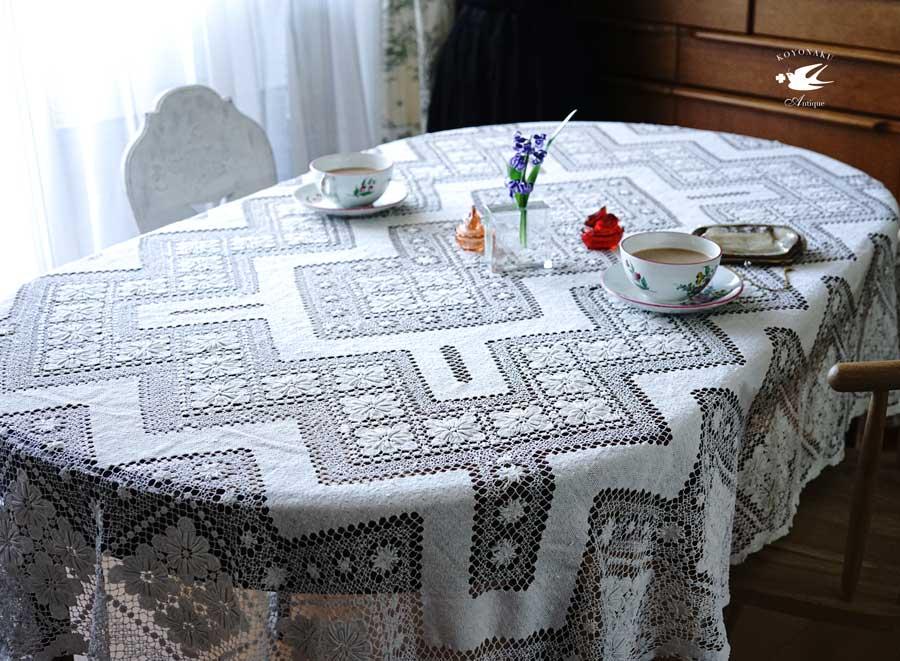 アールデコのフィレレースのテーブルレース200×152cm gla-1175