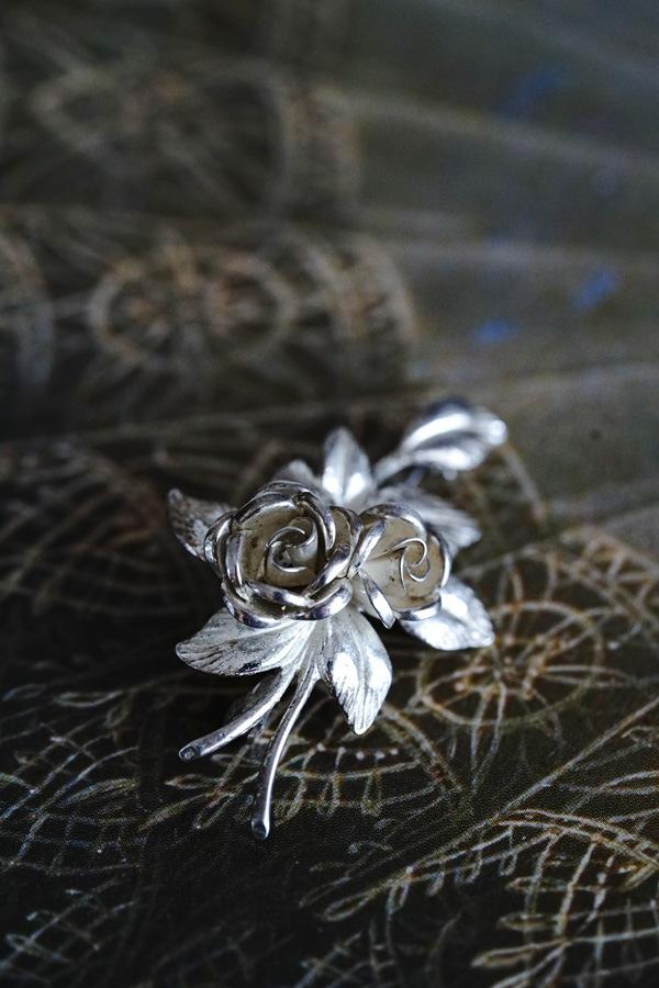 ヴィンテージシルバー薔薇のブローチ 4.5×2.9cm ga-936