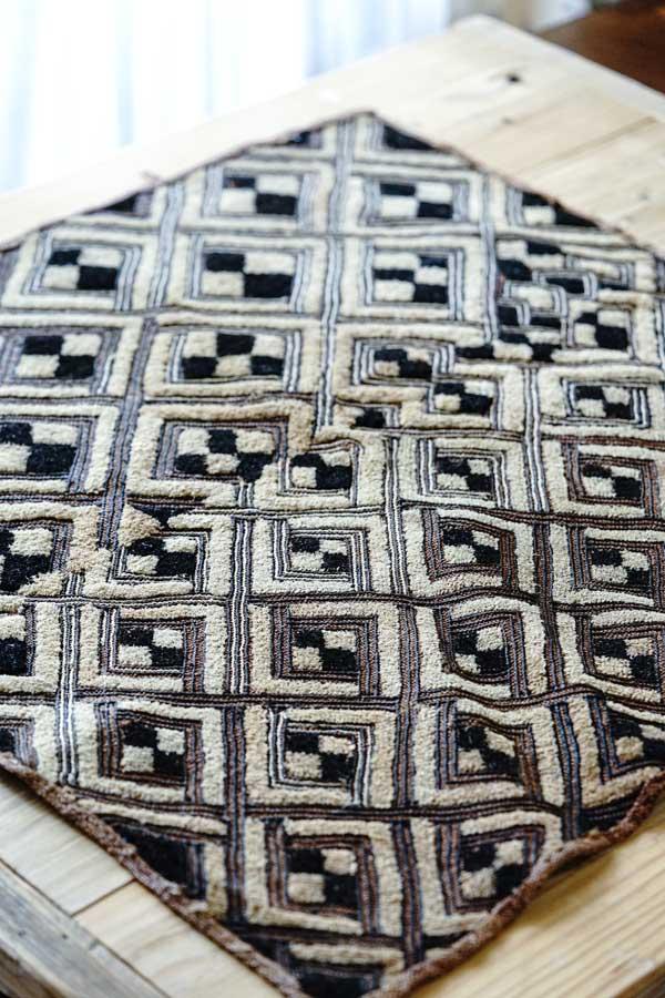 ヴィンテージコンゴ クバ王国シュワ族の草ビロード布66×62cm ge-857