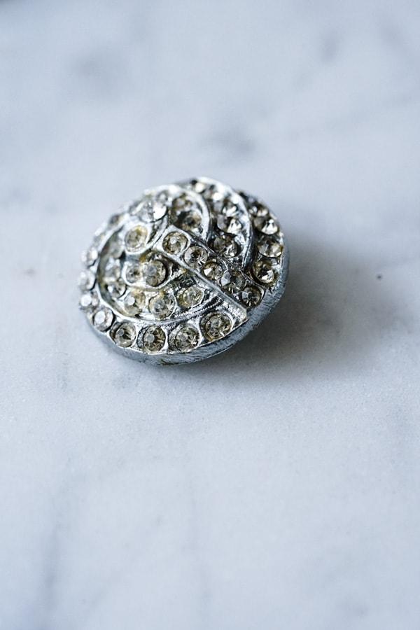 アールデコガラスラインストーンのメタルボタンW1.8cm gs-1372