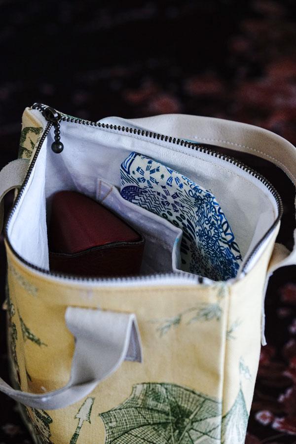イエローのトワルドジョイの革の持ち手付きハンドメイドポーチW22×H21.5cm gr-015