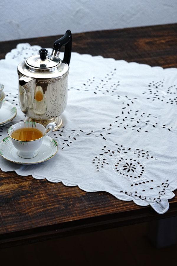 アンティークカットワーク刺繍テーブルクロス60×60cm ge-866