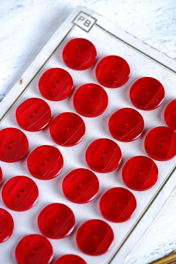 ヴィンテージレッドプラスティックボタンW2.2cm gbu-017