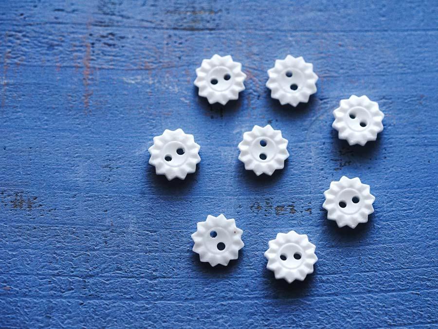 ヴィンテージお花のガラスボタンW1.1cm8個セット gbu-020