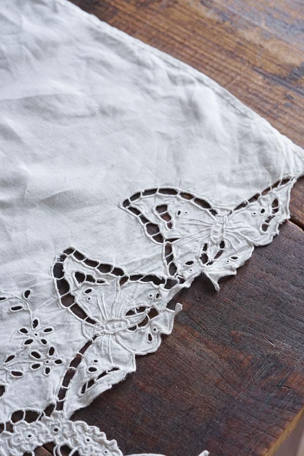 アンティーク蝶々のカットワーク刺繍のクロス42×120cm ge-879