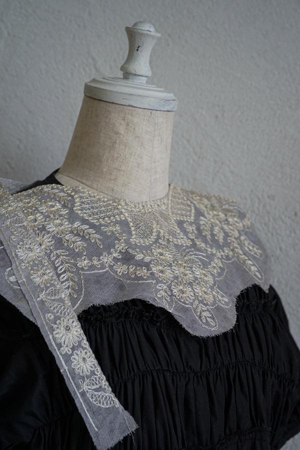 アンティークチュールにフラワー刺繍パーツ ge-880