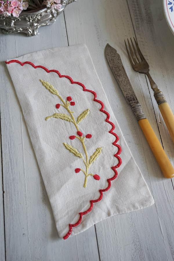 フランス手刺繍カトラリーケース赤の木の実 255×11.5cm ge-885