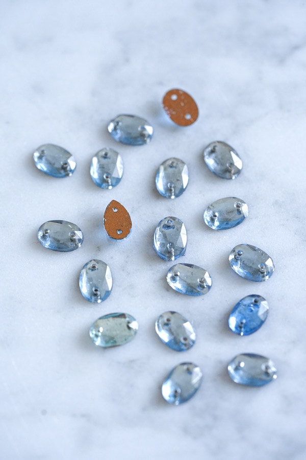 ガラスビジュー18個セット 薄水色gs-1435
