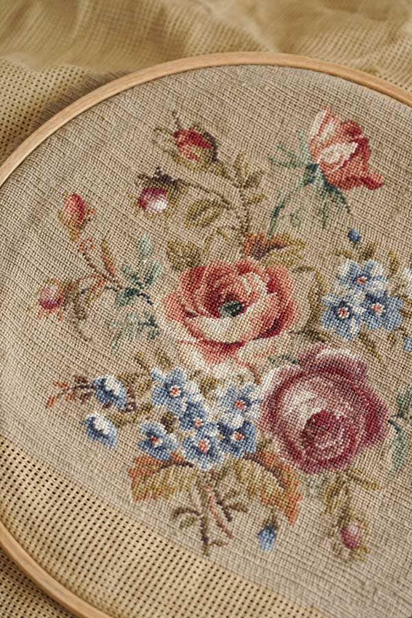 アンティーク薔薇のプチポワン刺繍枠付き ge-890