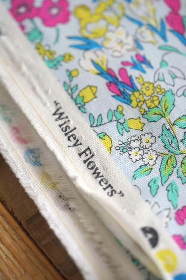 リバティ LondonラセンビーコットンWisleyFlowers10×85cmg f-695