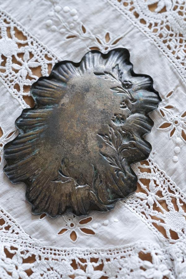 フランスアンティークチューリップレリーフの真鍮アッシュトレイ12×8.5cm gk-529