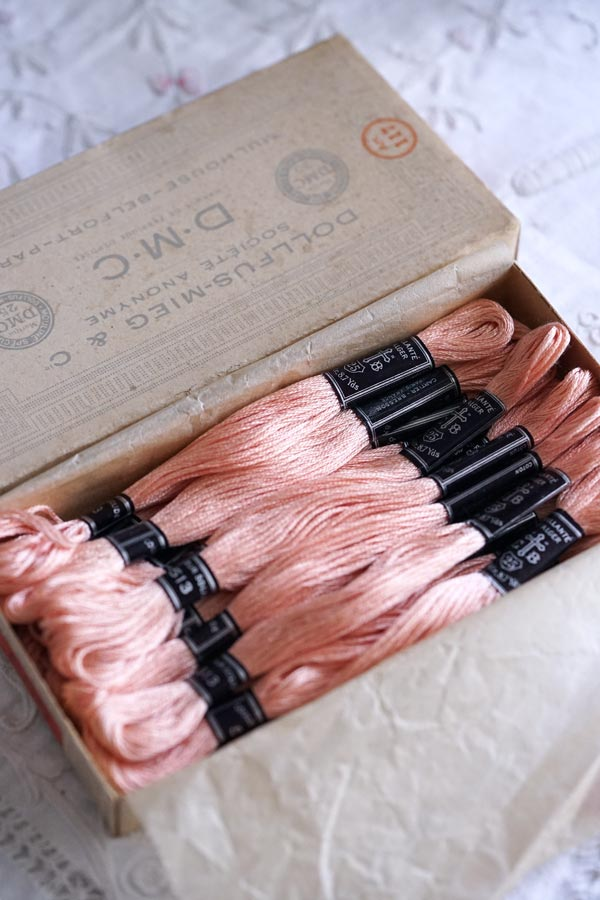 フランスヴィンテージ箱入り25番刺繍糸セットgs-1445