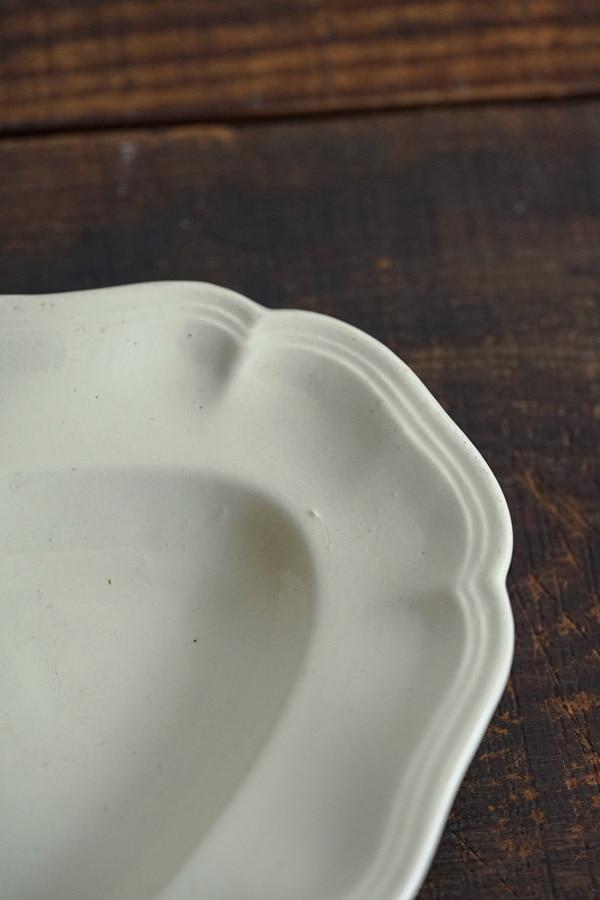 ディゴワンサルグミンヌのホワイトラヴィエ26.5×16.5×2.5cm gc-929