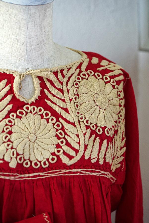 メキシコのレッドにベージュ刺繍のチュニック11号サイズ gd-214