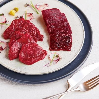 鯨肉と馬肉の刺身 盛り合わせ