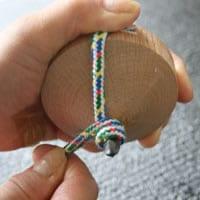 鉄芯のこまの紐の巻き方03