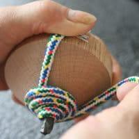 鉄芯のこまの紐の巻き方04