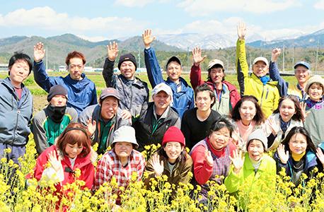 田中農場のスタッフ集合写真