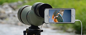 スマートフォンと組み合わせて、身軽に、楽しく観察・撮影・シェアが可能