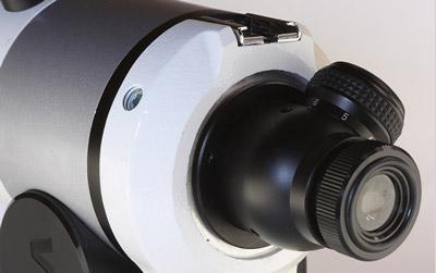 極軸望遠鏡内蔵。高精度設置で望遠撮影