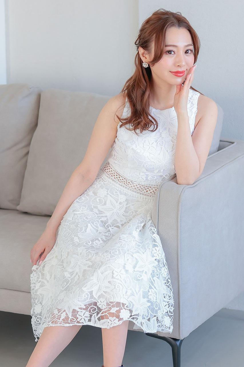 カジュアルウェディング、花嫁の二次会用ドレス