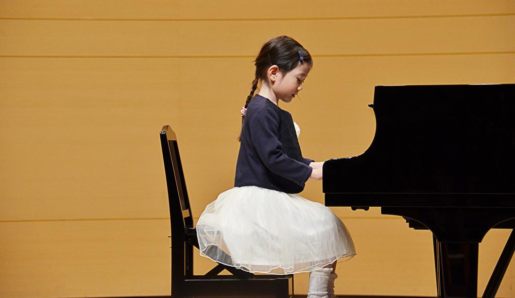ステージ映えする子供ドレスの選び方