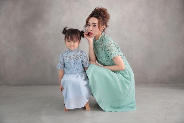 子供のバースデーフォトはママとお揃いドレスでインスタ映え