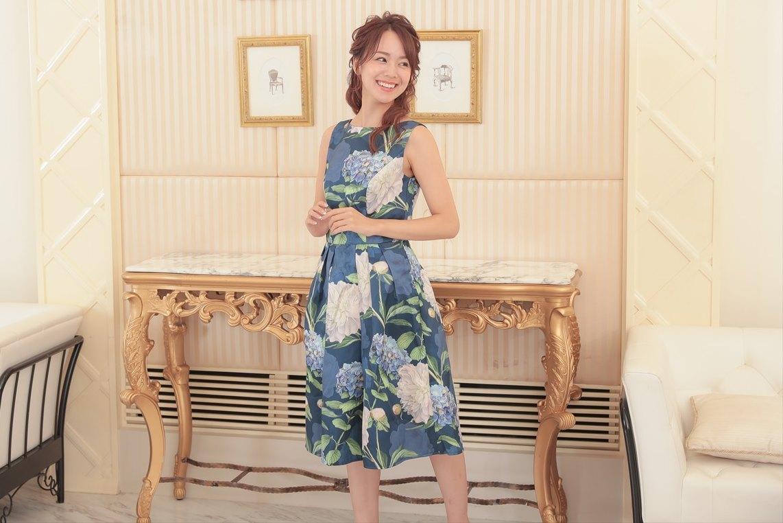 二次会に個性のあるドレスを選びたいなら柄ドレスがおすすめ