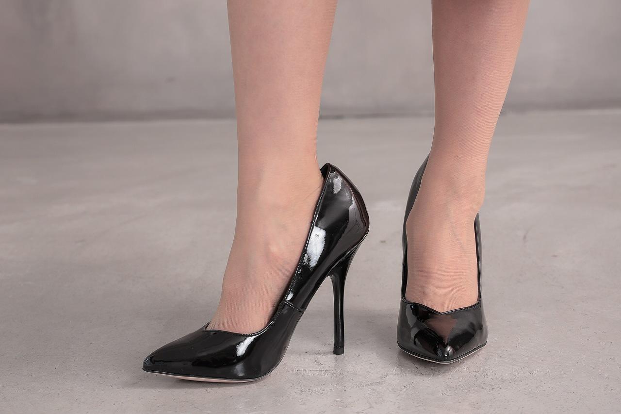 冬場の結婚式におすすめの靴とは
