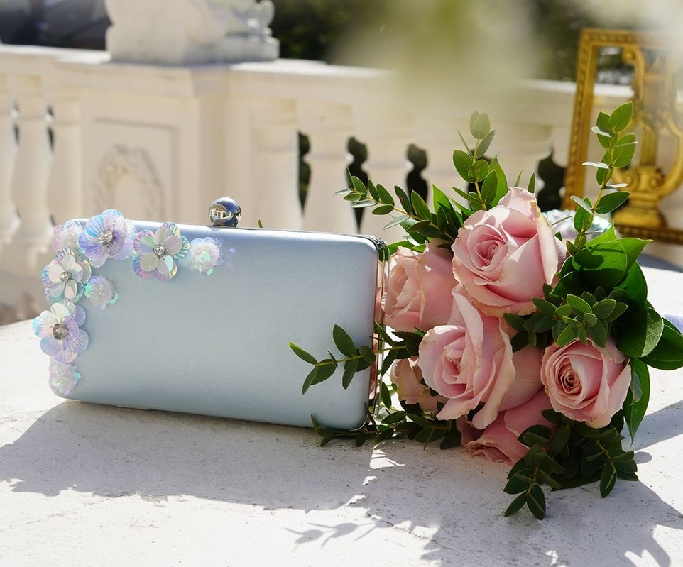 結婚式二次会のバッグの選び方