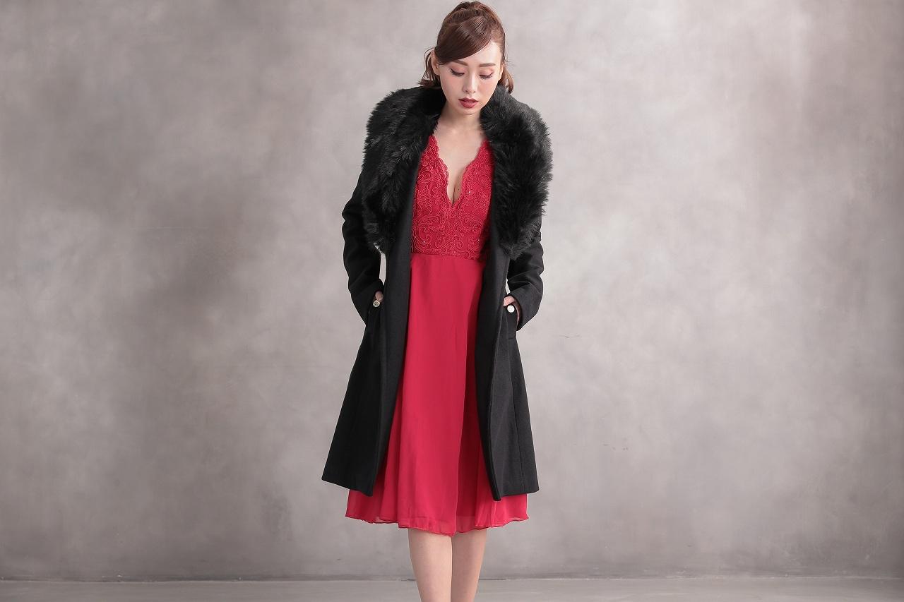 30代の同窓会はどんな服装で行く?オシャレに見せるために選びたいドレス