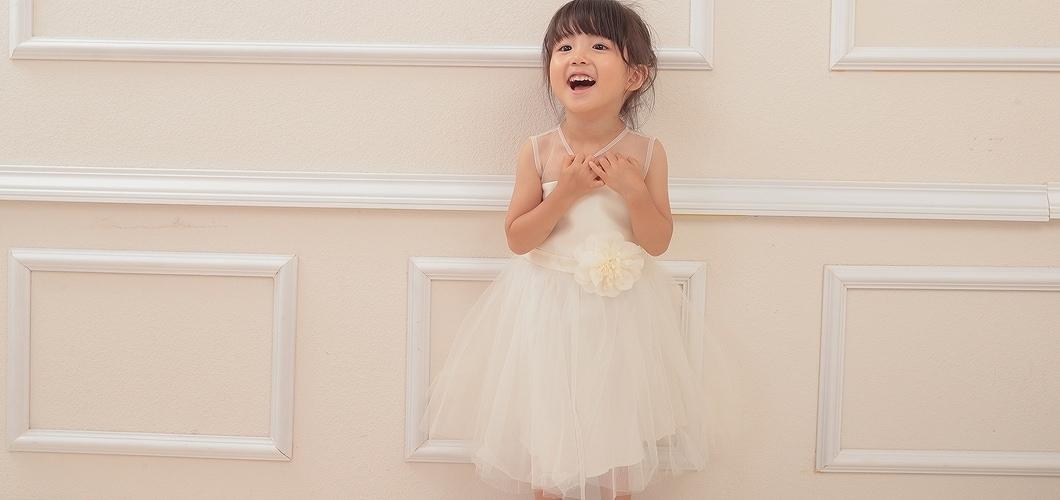繊細なチュールやレース使いが上質な子供用ドレスはここだけしか手に入らない特別なドレス