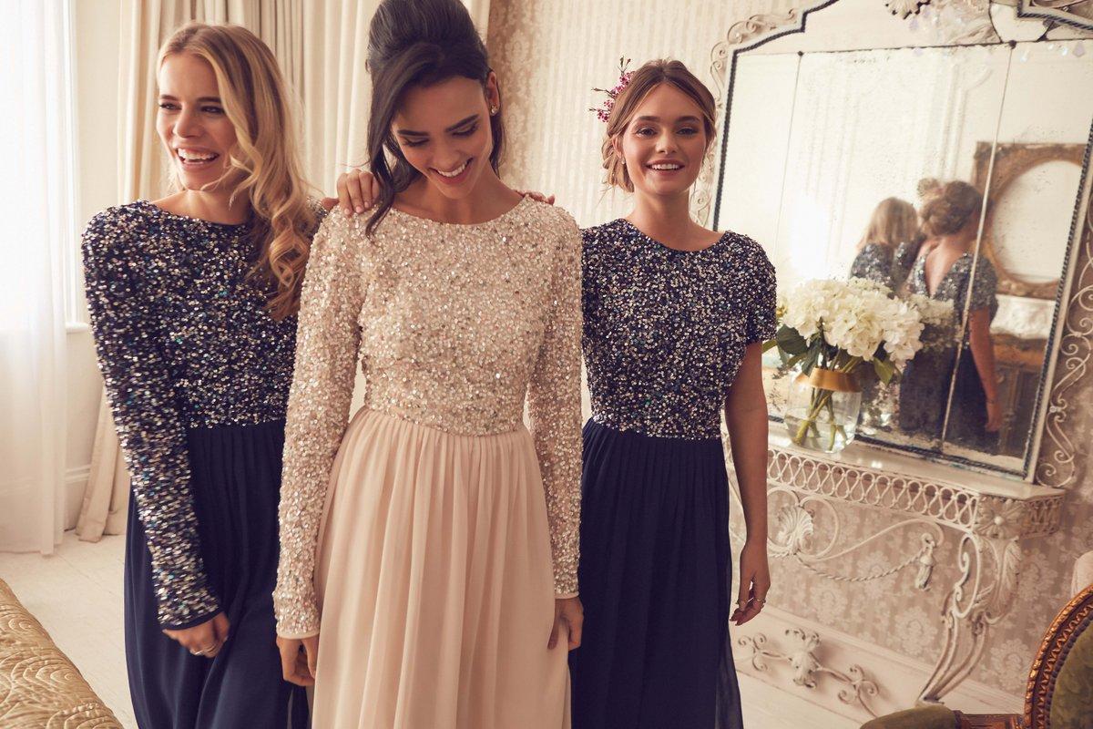 30代女性におすすめのワンランク上のドレスの選び方