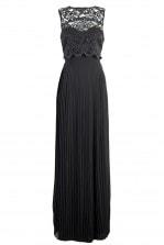 TFNCのロングドレス