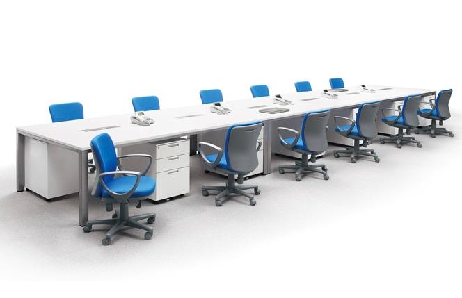 デスクチェアのオフィス使用イメージ