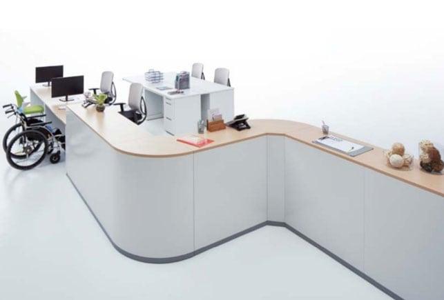 ハイタイプとロータイプのオフィスカウンターをオフィスの受付にレイアウトしたイメージ