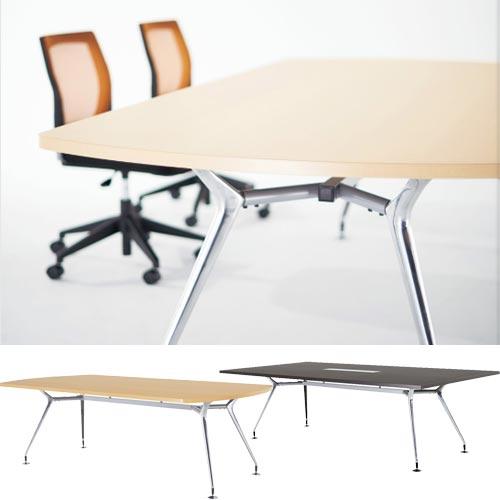高級志向のミーティングテーブルはフリーアドレスデスクとしても活躍