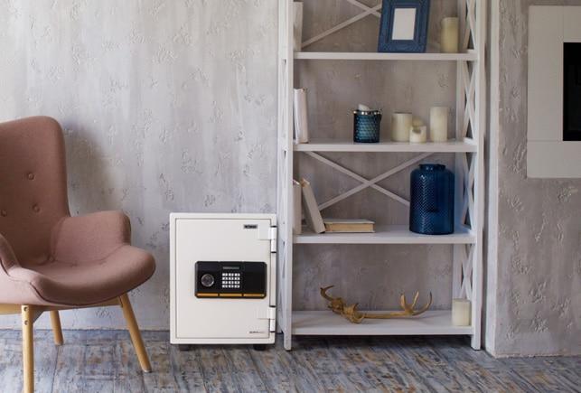 おしゃれでデザイン性に優れたオフィス家具通販のルキットオリジナル金庫をインテリアとしてレイアウトしたイメージ