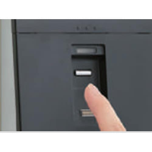 指紋照合式金庫の使用イメージ