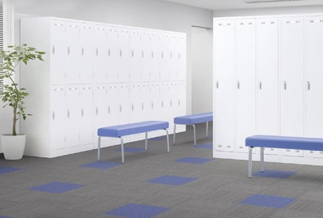 ホワイトロッカーをロッカールームでの使用イメージ